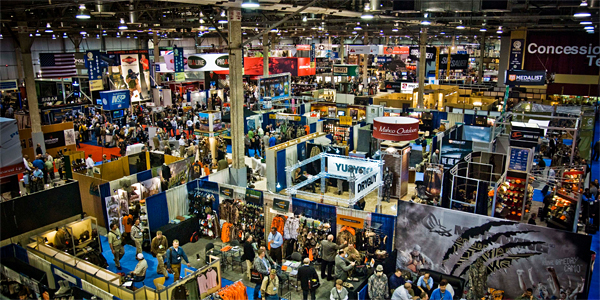 How to Amp Up Your Tradeshow Presence with Social Media