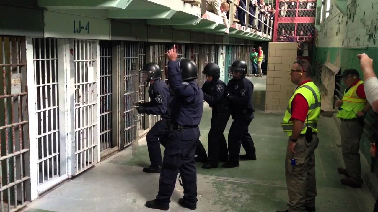 National Tactical Officers Association (NTOA) Presents Cell Extraction Procedures Course at Mock Prison Riot April 27-29, 2017